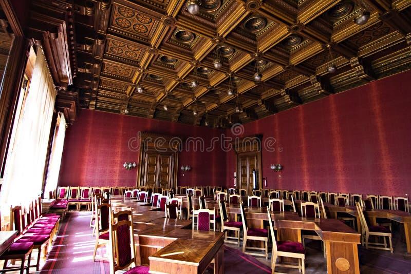 Interne zalen in de mooie historische bouw van de nationale universiteit van Chernivtsi stock afbeeldingen