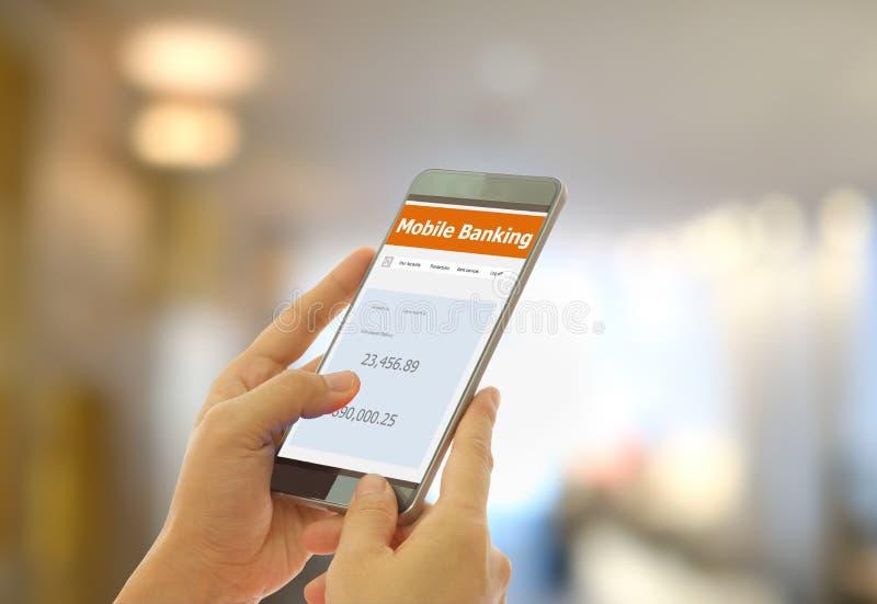 Internet móvel da operação bancária fotos de stock