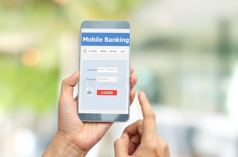 Internet móvel da operação bancária imagem de stock royalty free