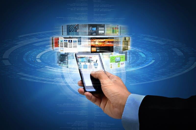 Internet sul concetto dello Smart Phone fotografia stock libera da diritti