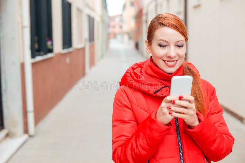 Internet usando turistico immagine stock libera da diritti