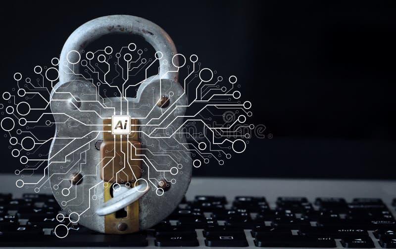Internet-verwerken de het veiligheids concept-oude hangslot en sleutel op laptop gegevens royalty-vrije stock afbeeldingen