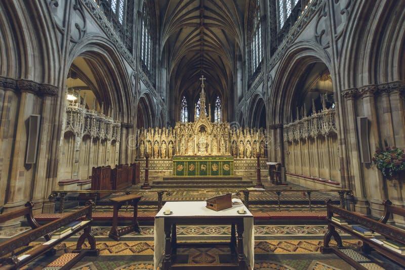 Interni della cattedrale di Lichfield - altar maggiore immagini stock