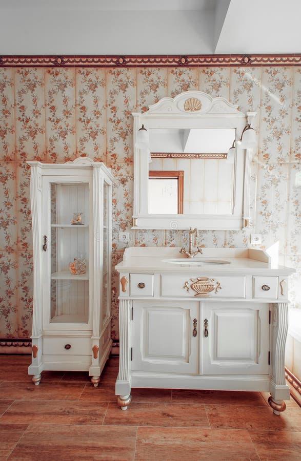 Interni di nuova casa moderna stanza da bagno stile dell for Interni casa moderna