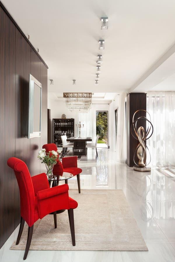 Interni di un appartamento moderno cucina con la vista for Interni casa moderna