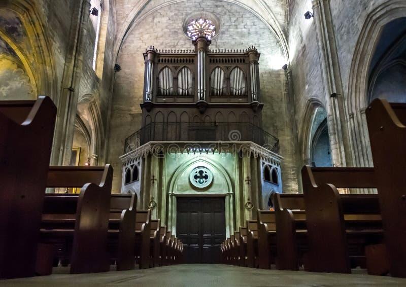Interno cattolico della cattedrale. Salone de Provenza. immagine stock libera da diritti