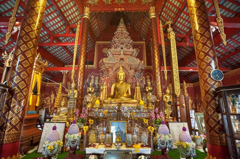 Interno decorato di Wat Chiang Man, il più vecchio tempio in Chiang Mai, Tailandia fotografie stock libere da diritti