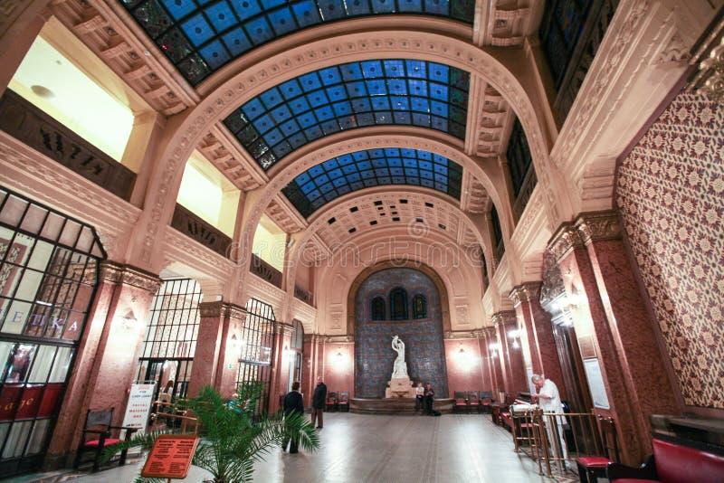 Interno Dei Therms (bagni, Stazione Termale) Gellert Fotografia ...
