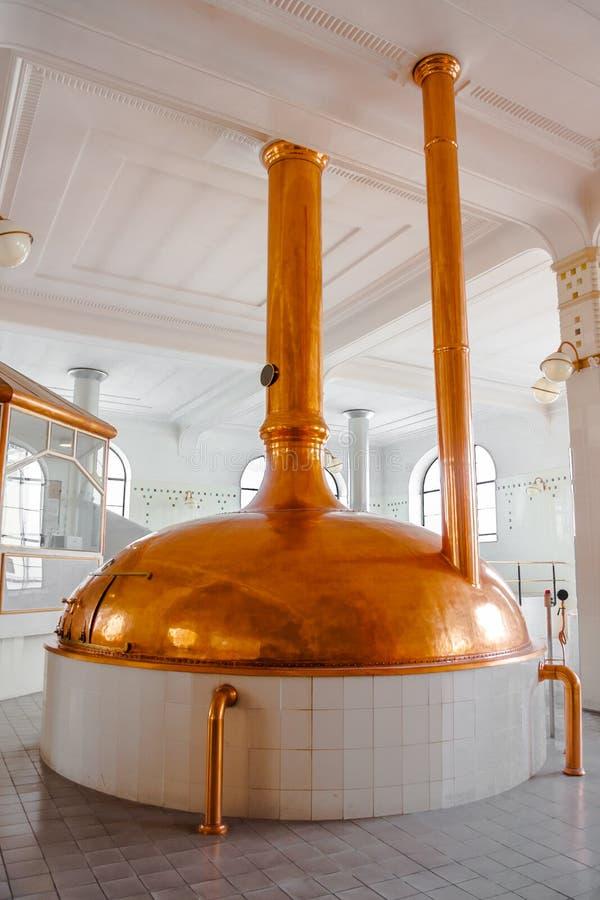 Download Interno Del Fabbricato Industriale Fotografia Stock - Immagine di birra, nessuno: 30827508