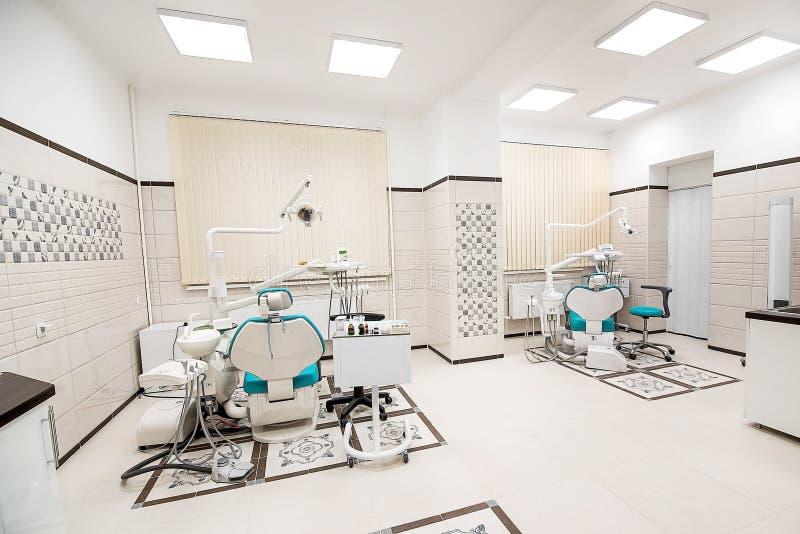 Interno del gabinetto del dentista dell'ufficio dentario fotografia stock