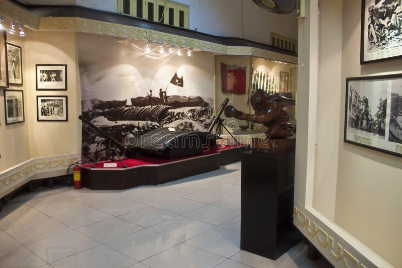 Interno del museo nazionale di storia vietnamita immagini stock
