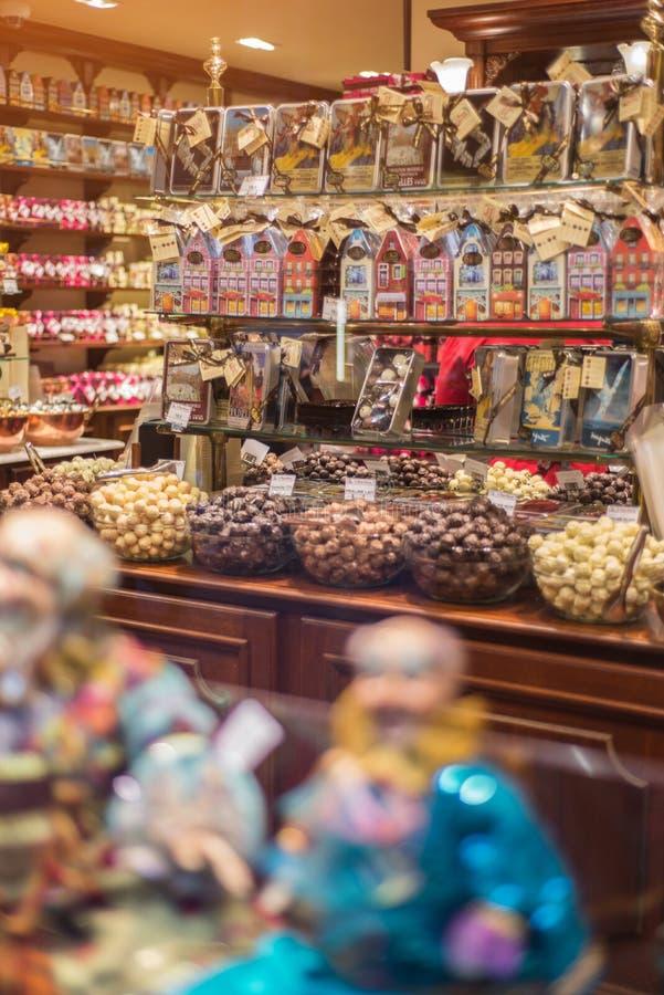 Interno del negozio del cioccolato immagine stock libera da diritti