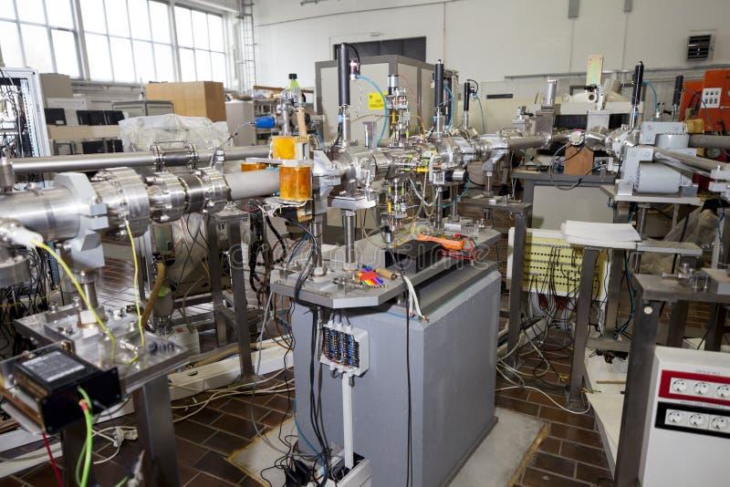 Interno dell'acceleratore nucleare dello laboratorio-IONE immagine stock libera da diritti