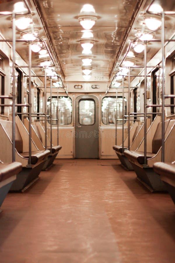 Interno dell'automobile di sottopassaggio vuota di Sankt Pietroburgo fotografie stock
