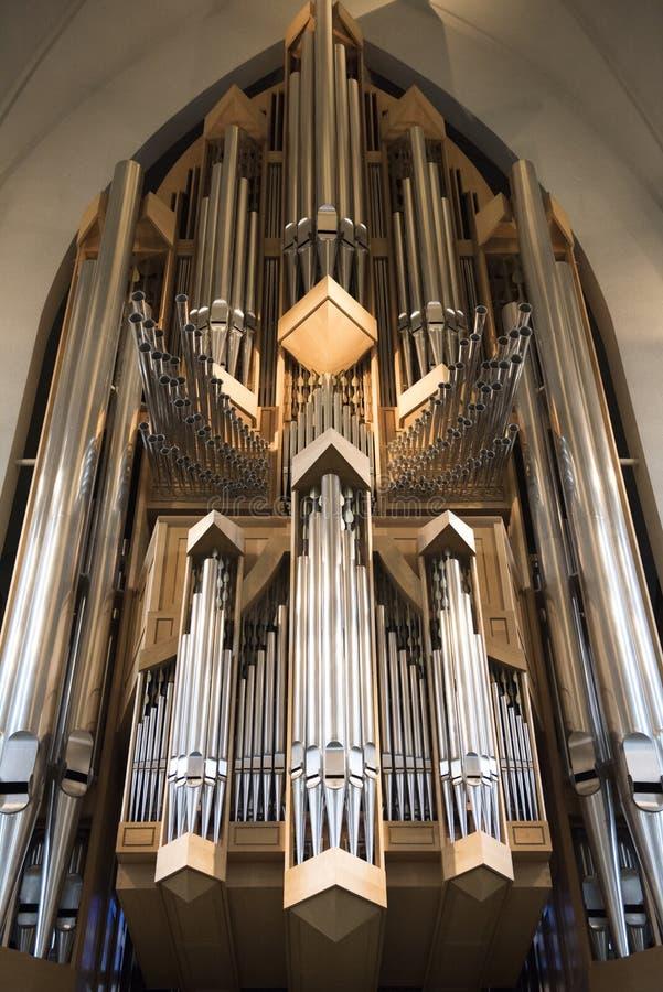 Interno dell'organo moderno della chiesa di Hallgrimskirkja a Reykjavik, Islanda immagini stock libere da diritti