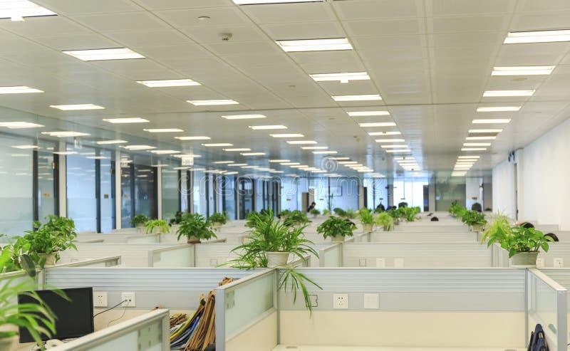 Interno dell'ufficio moderno, posto di lavoro immagine stock libera da diritti