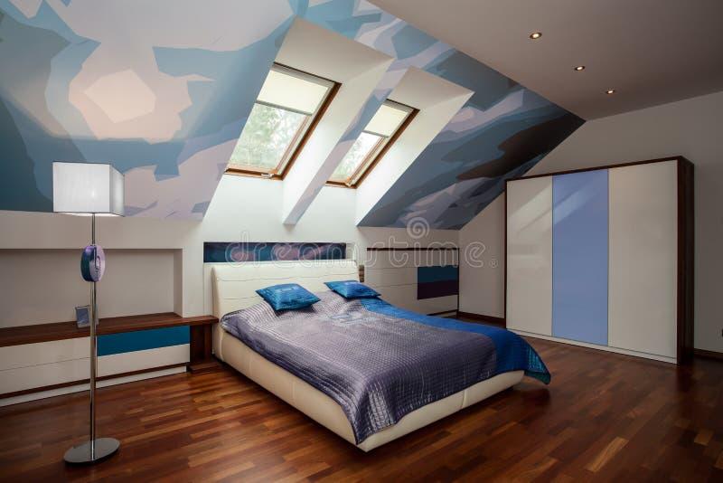 Interno della camera da letto blu e bianca fotografia stock immagine di assestamento bedroom - Camera da letto blu notte ...