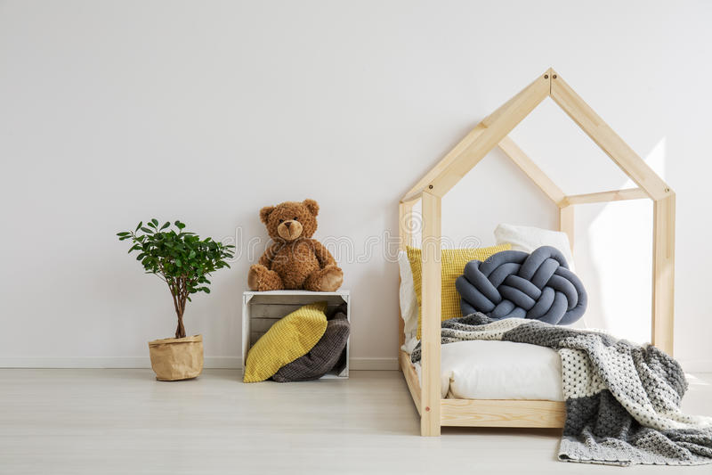 Interno della camera da letto del ` s del bambino fotografie stock libere da diritti