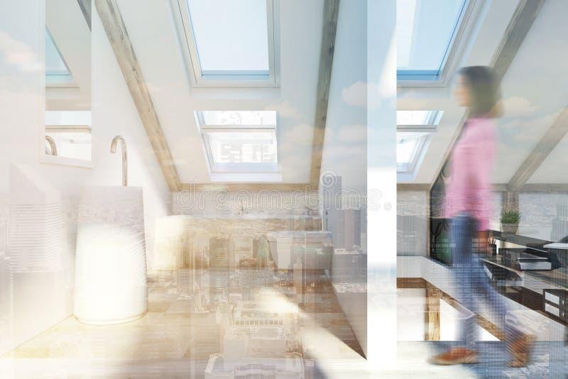Interno della camera da letto e del bagno della soffitta tonificato immagine stock libera da diritti