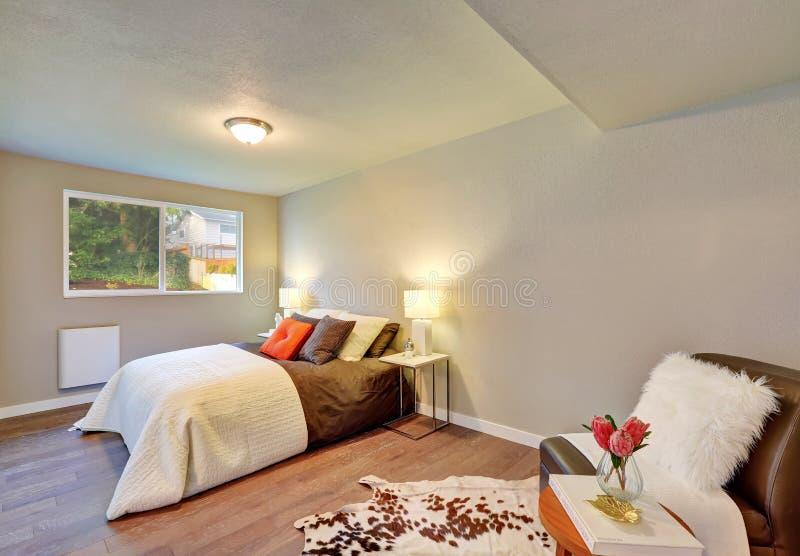 Interno della camera da letto nella combinazione di colore - Colore della camera da letto ...