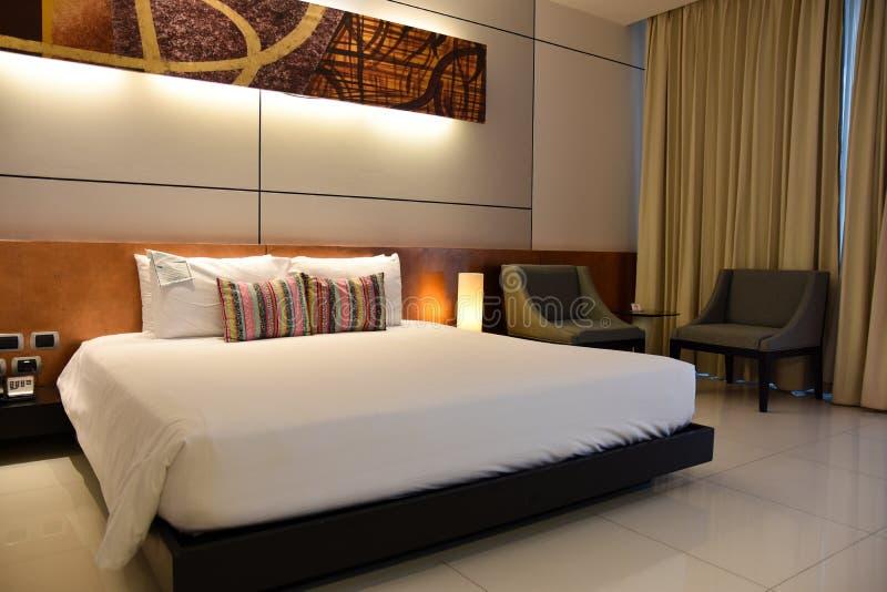 Interno della camera da letto o della camera di albergo Concetto dell'hotel fotografia stock