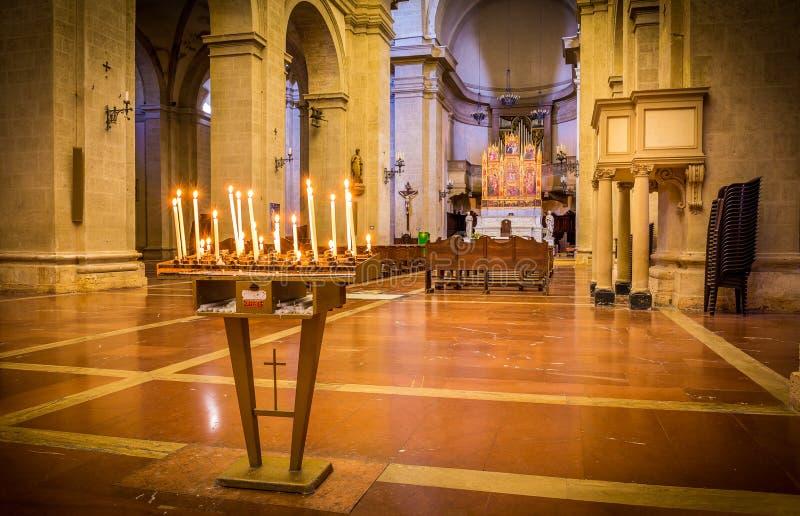 Interno della cattedrale di Montepulciano fotografie stock libere da diritti