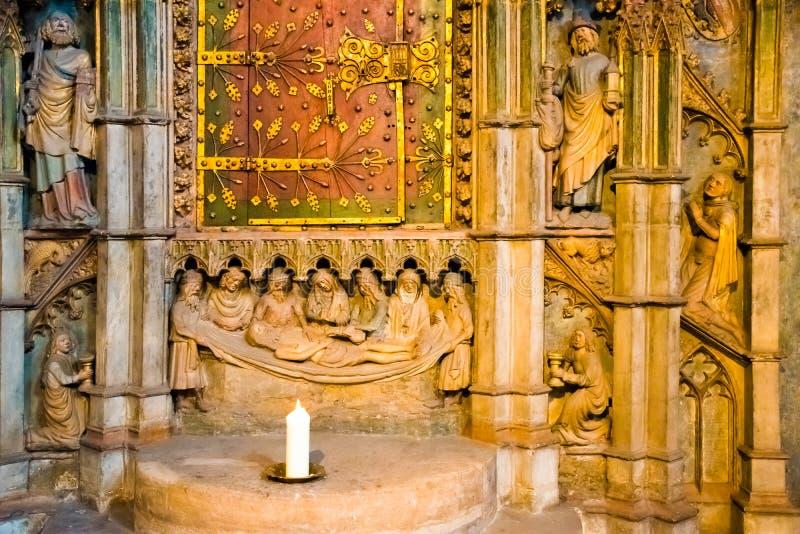Interno della cattedrale gotica della st Lorenz, Norimberga, Germania fotografia stock