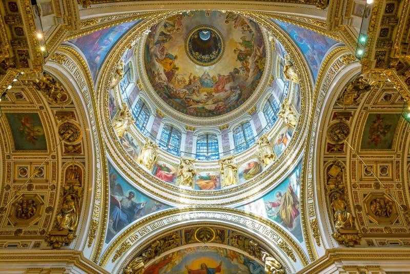 Interno della cattedrale in San Pietroburgo, Russia di Isaac del san immagine stock libera da diritti