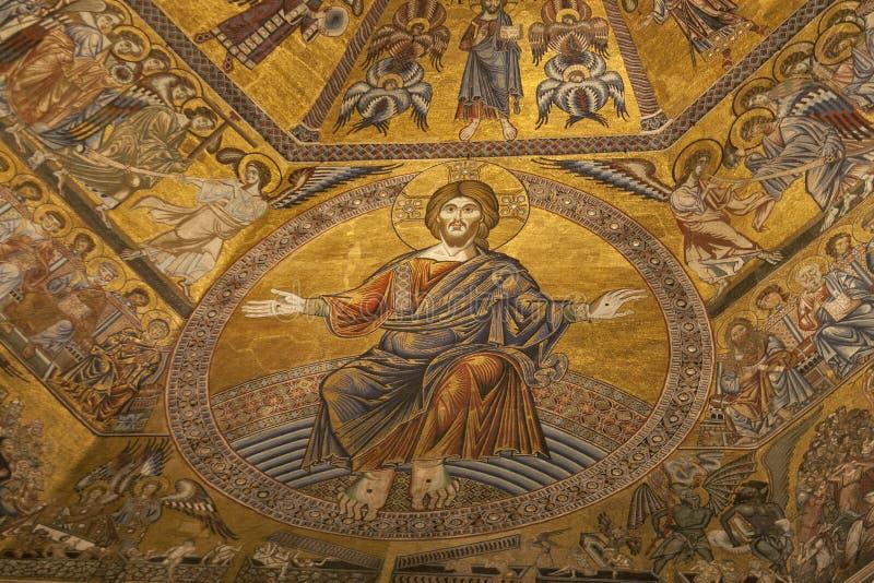 Interno della cattedrale Santa Maria del Fiore a Firenze immagine stock libera da diritti