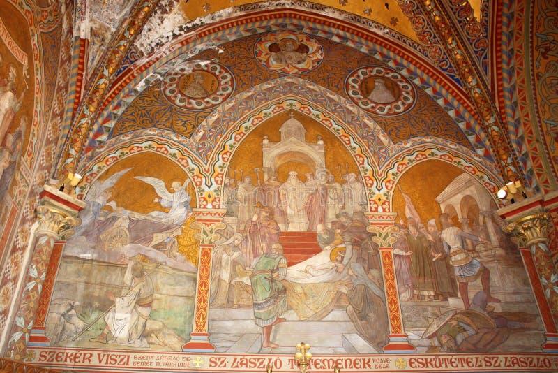 Interno della chiesa della st Matthias a Budapest immagini stock libere da diritti