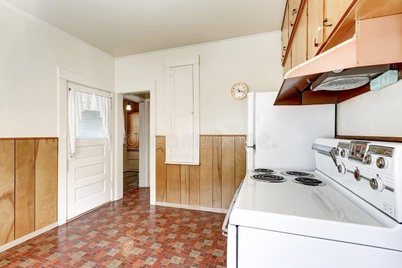 Pavimenti stile provenzale stunning sedie in legno per for Piastrelle linoleum bagno