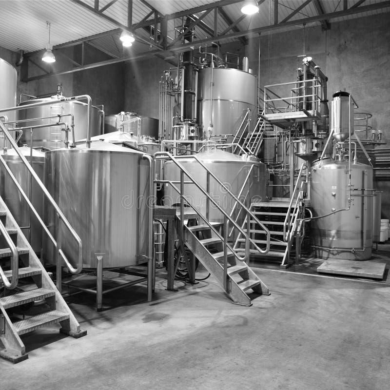 Interno della distilleria immagini stock