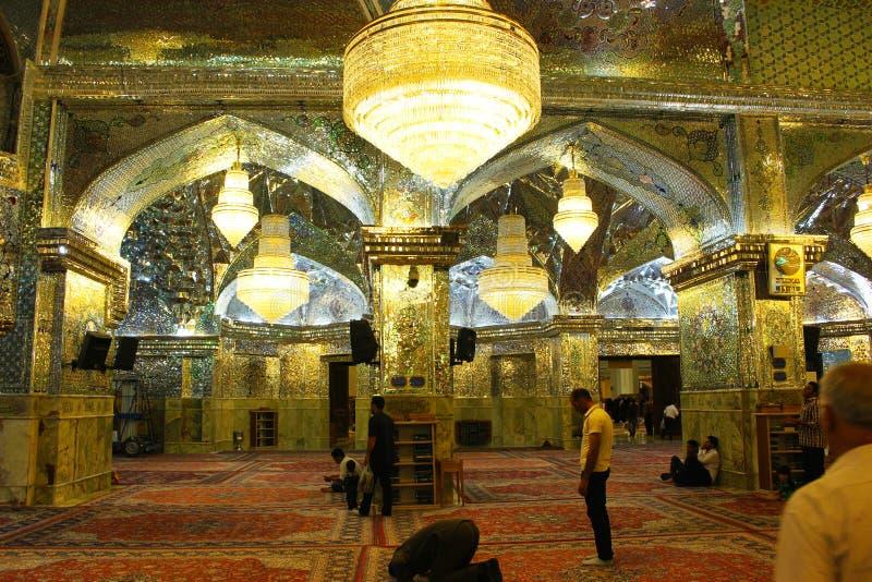 Interno della moschea di Ceragh dello scià, Shiraz, Iran immagini stock