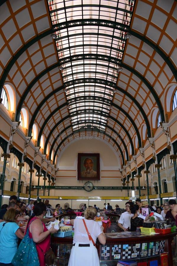 Interno della posta centrale di Ho Chi Minh City fotografie stock
