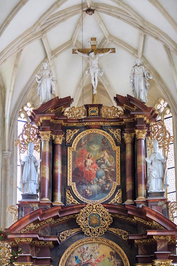 Interno della st Nicholas Church Znojmo, repubblica Ceca, Europa immagine stock