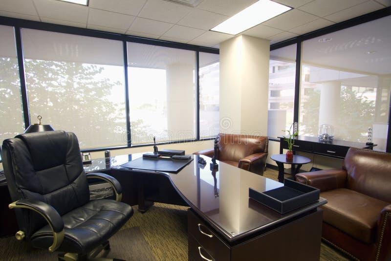 Interno della stanza dell'ufficio di dirigente aziendale immagine stock libera da diritti