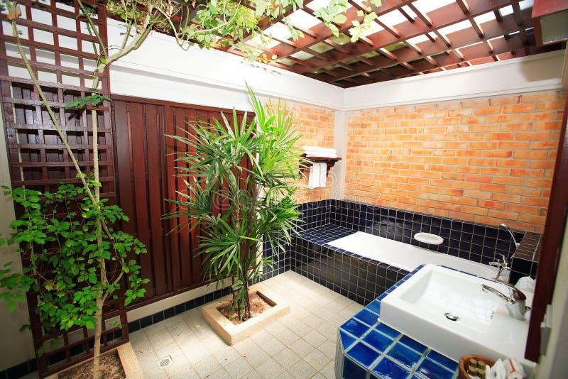 Interno della toilette, wc, toilette, bagno, lavabo, toilette immagine stock