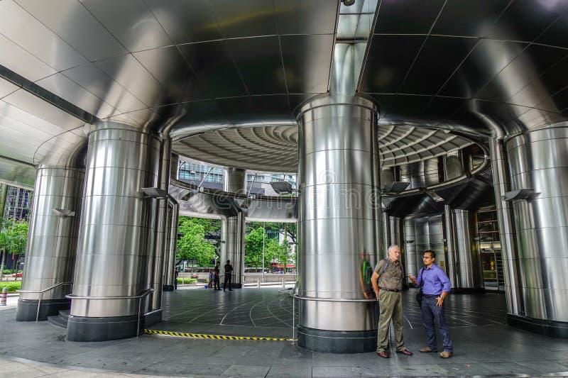 Interno delle torri gemelle di Petronas in Malesia fotografie stock libere da diritti