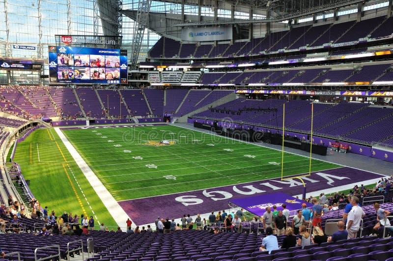 Interno dello stadio della Banca degli Stati Uniti di Minnesota Vikings a Minneapolis fotografia stock
