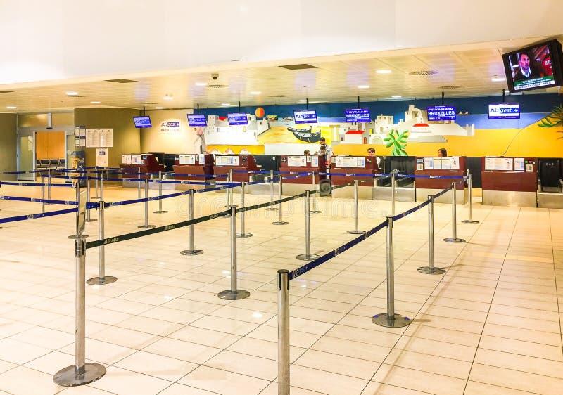 Interno di area di registrazione dell'aeroporto di Trapani-Birgi fotografie stock libere da diritti