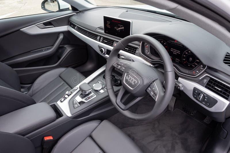 Interno di Audi A4 Avant 40 fotografia stock libera da diritti