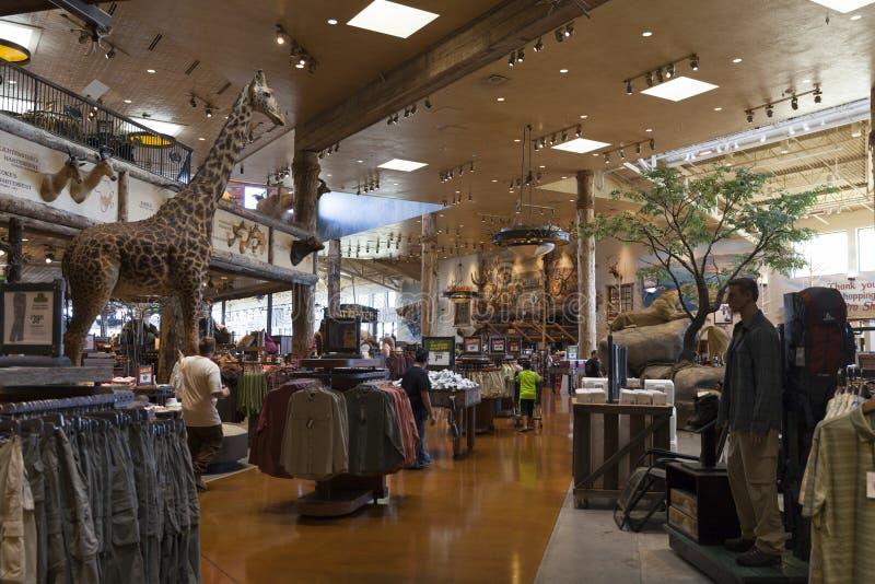 Interno di Bass Pro Shop all'hotel di Silverton a Las Vegas, NV o fotografie stock libere da diritti