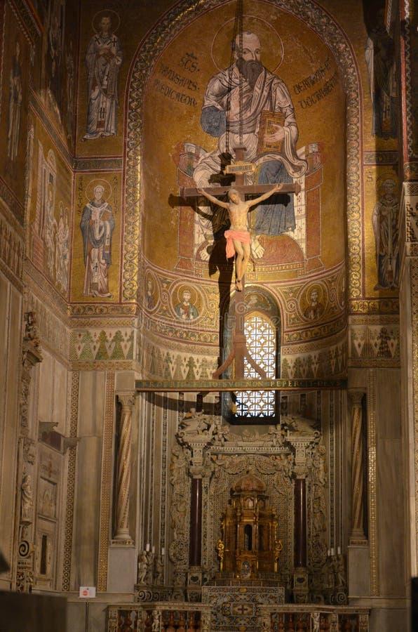 Interno di Duomo di Monreale fotografie stock libere da diritti