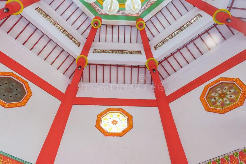 Interno di grande hoo di cheng della moschea in Purbalingga, Indonesia immagini stock