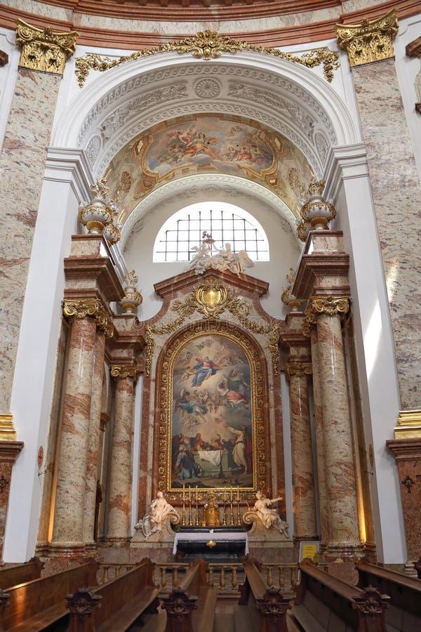 Interno di Karlskirche, Vienna, Austria fotografia stock libera da diritti