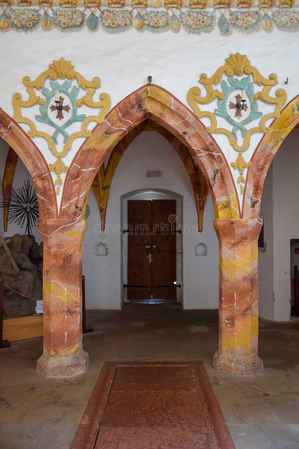 Interno di St Anthony la grande chiesa in monastero rosso famoso & in x28; Cerveny Klastor& x29; , La Slovacchia fotografie stock libere da diritti