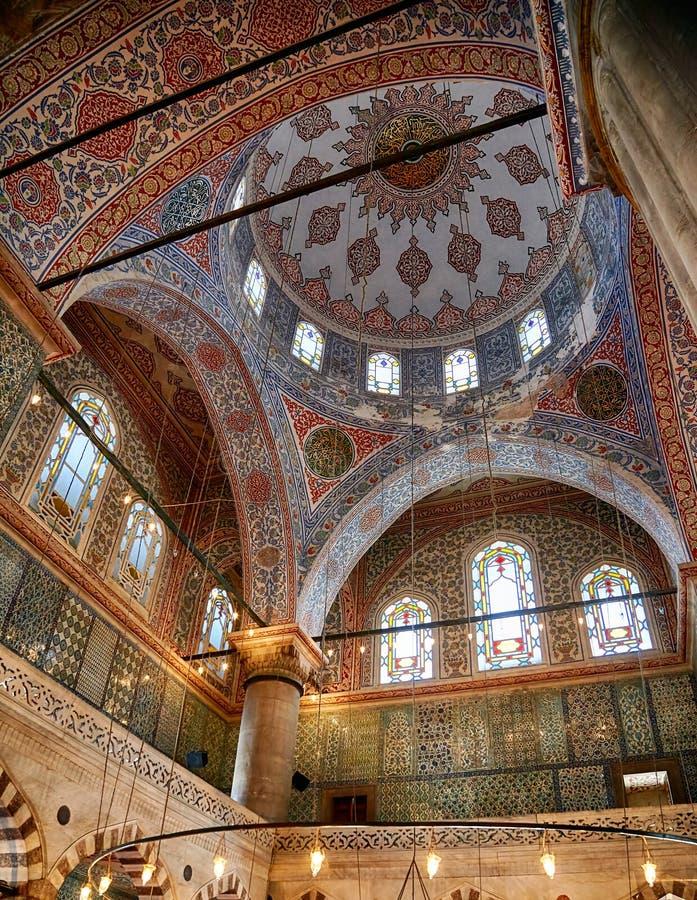Interno di Sultan Ahmed Mosque (moschea blu), Costantinopoli fotografie stock