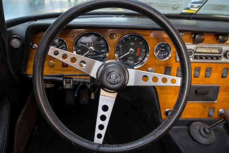 Interno di un'automobile sportiva Lotus Elan S4,1968 immagine stock