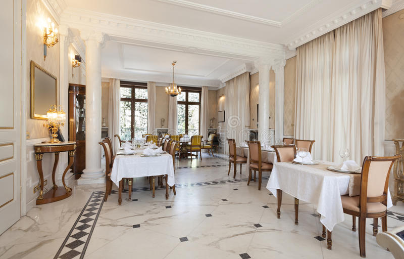 Gallery of download interno di un ristorante in villa di for Ville di legno di lusso