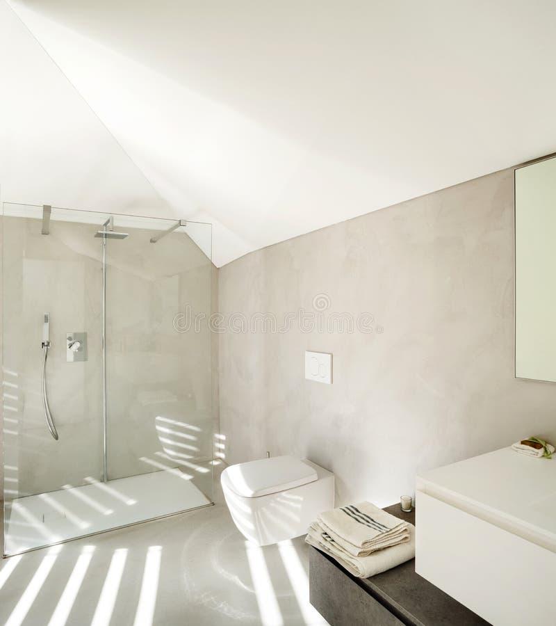 Interno di una casa moderna bagno fotografia stock for Interno di una casa